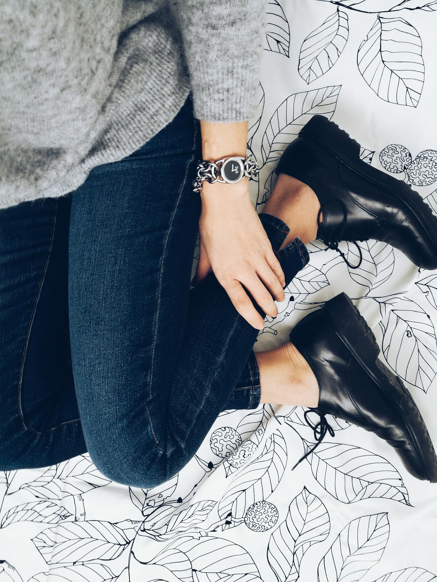 Jeans E Scarpe Basse In Ufficio Si O No