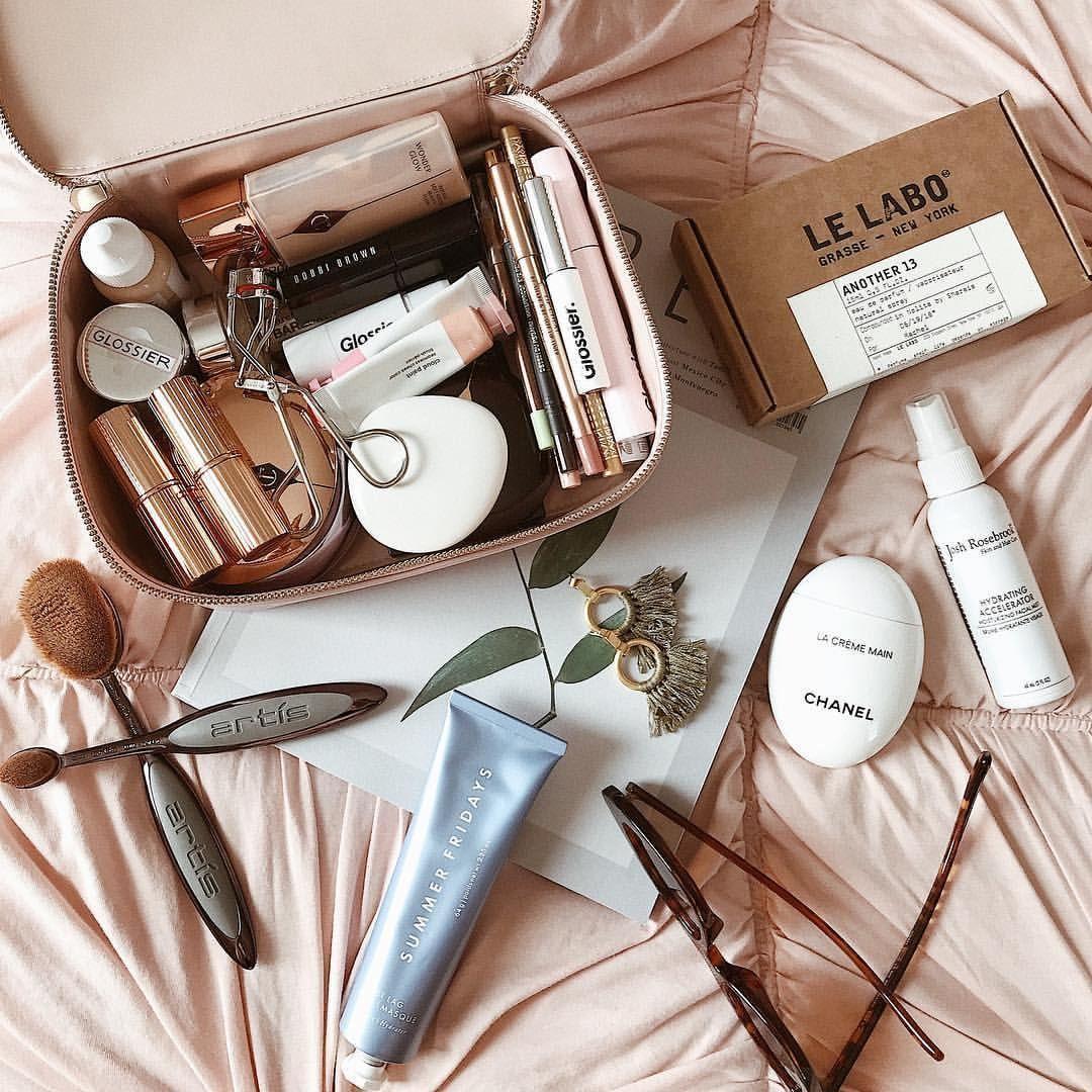 Beauty Case Perfetto da Viaggio di Lisa Campolunghi
