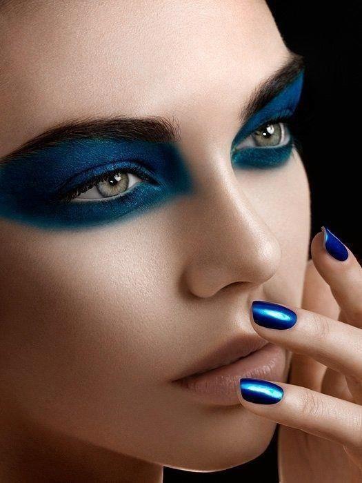 Pantone 2020 - Make Up