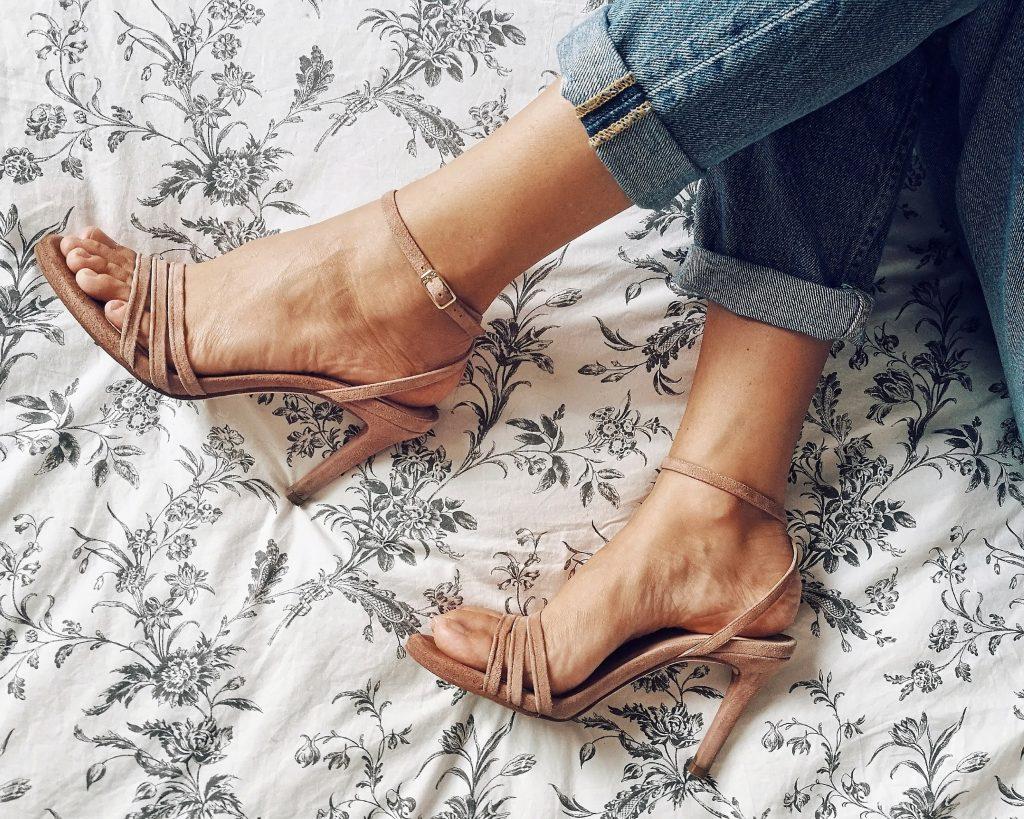 Sandali di camoscio