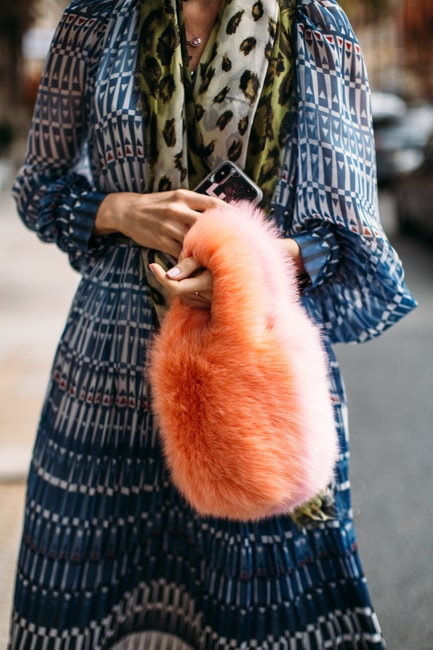 Living Coral: Street Style