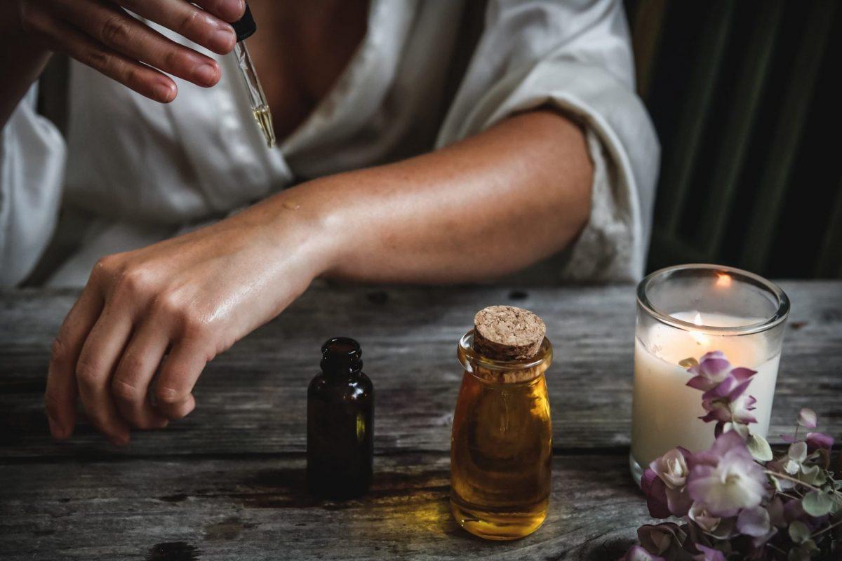 Tea Tree Oil Ideale in Casa Perfetto in Viaggio di Lisa Campolunghi