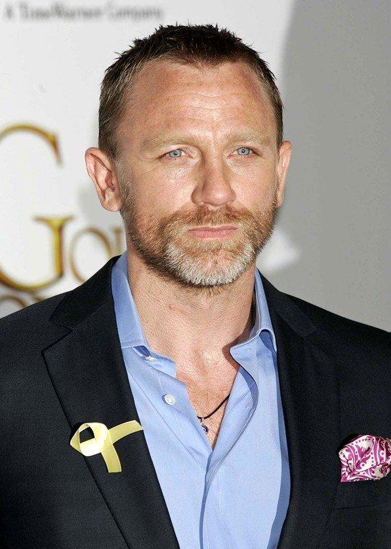 Daniel Craig Summer Light
